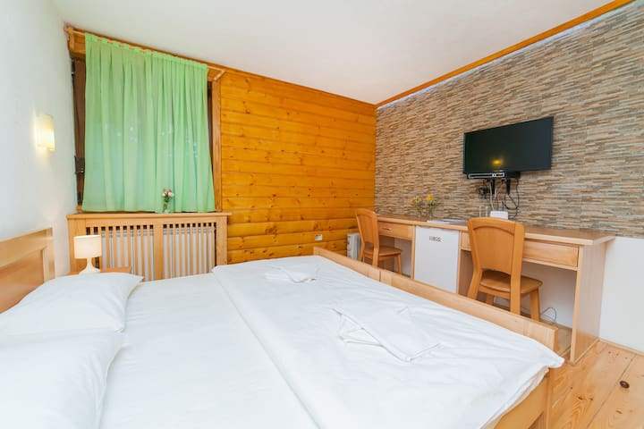 Gacka - Double Room with a Lovely View