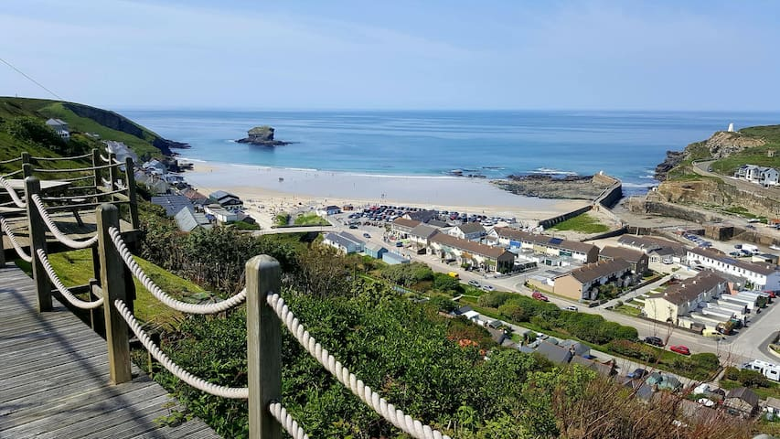 Ocean views - private sauna, 3 bed, Portreath