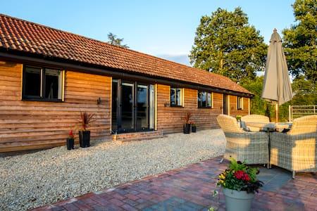 New Secluded Rural Retreat Near Bath,