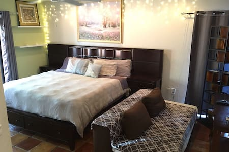 Giant Master Suite By The Beach (#O1) - Hollywood - Rumah