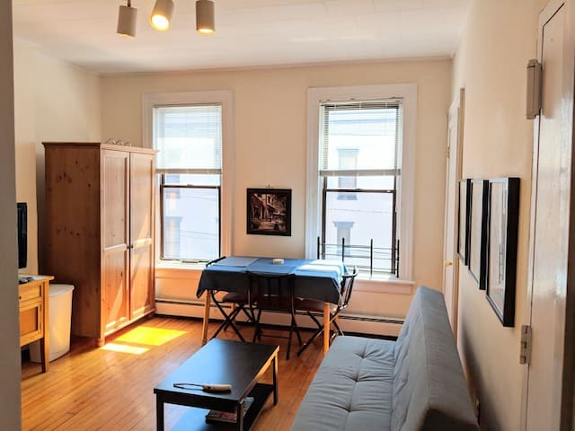 2 Bedroom Apartment in Central Hoboken