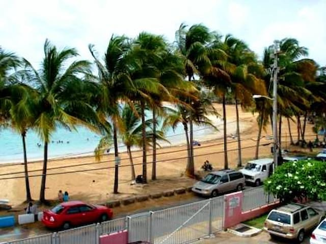 15 STEPS AWAY FROM THE BEST BEACH - Luquillo - Apartamento