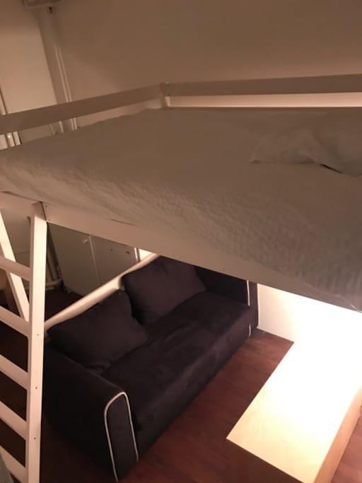 Mezannine bed