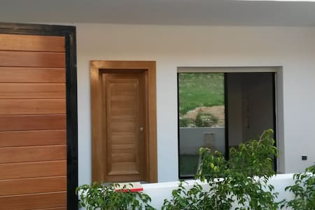 Beautiful new house in Kélibia (2 gardens) - Şehir evi