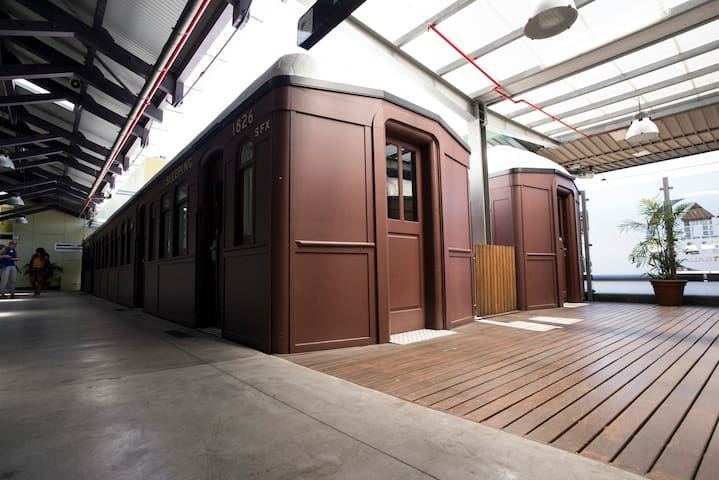 Sleep in a train carriage - exclusive use, up to 4
