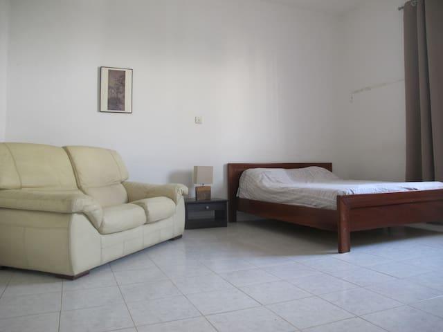 Central & residential 3 BR duplex