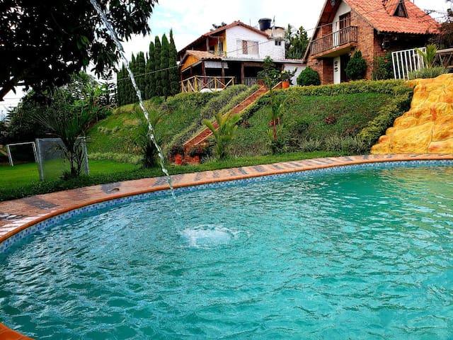 Casa de campo piscina - aerop Palonegro Lebrija