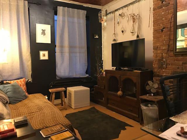 Quiet bedroom in East Village NY.