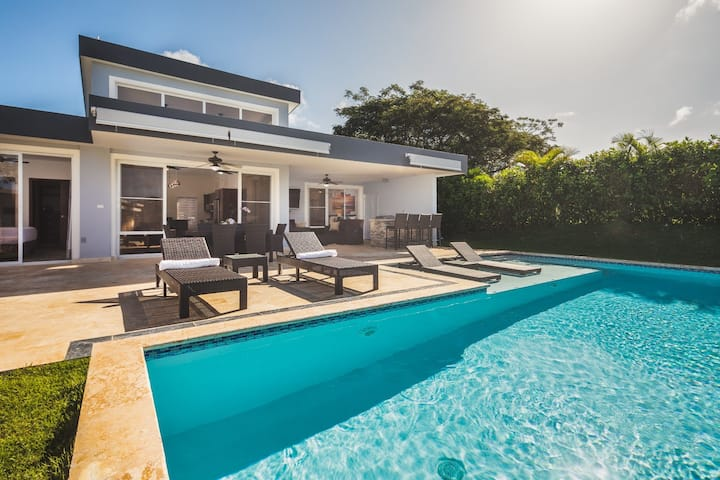 Fully Furnished Luxury Villa with Private Pool