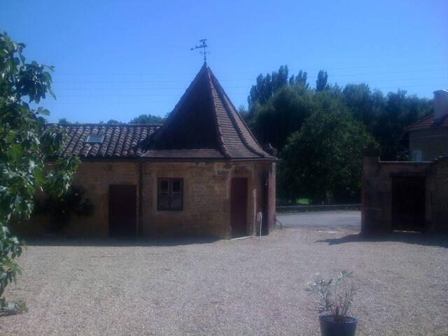 La Billebaude - Davayé - Rumah