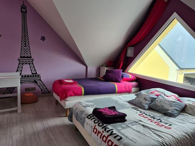 chambre 2 (1 lit double et 1 lit simple)