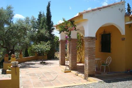 Finca la Serrana, preciosa casa rural en Pizarra. - Pizarra