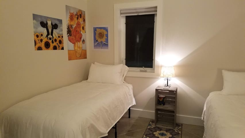 SunShine Room can be used with 2 Twin XL beds or converted to a King Bed