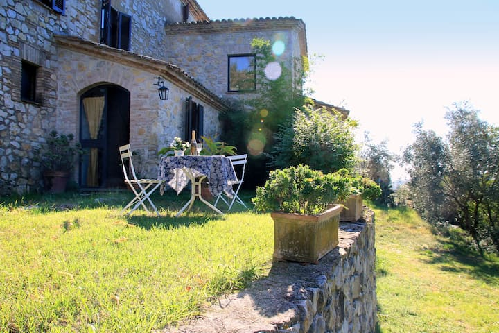B&B Country House Colle Perrini - Casperia - 家庭式旅館