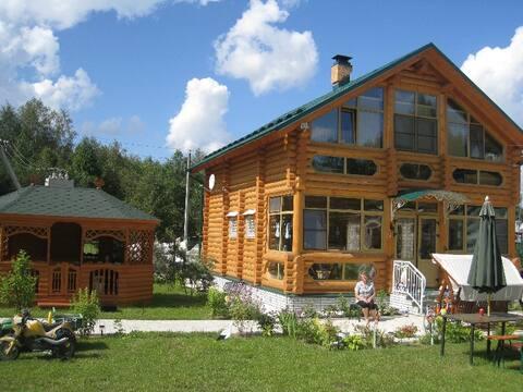 Huset med et lysthus og sauna på Seliger WiFi er godt