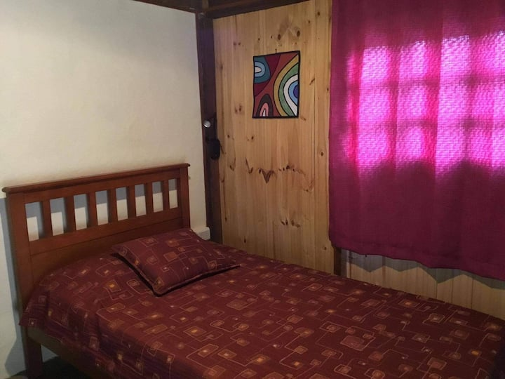 Habitación pequeña y tranquila en La Cumbrecita.