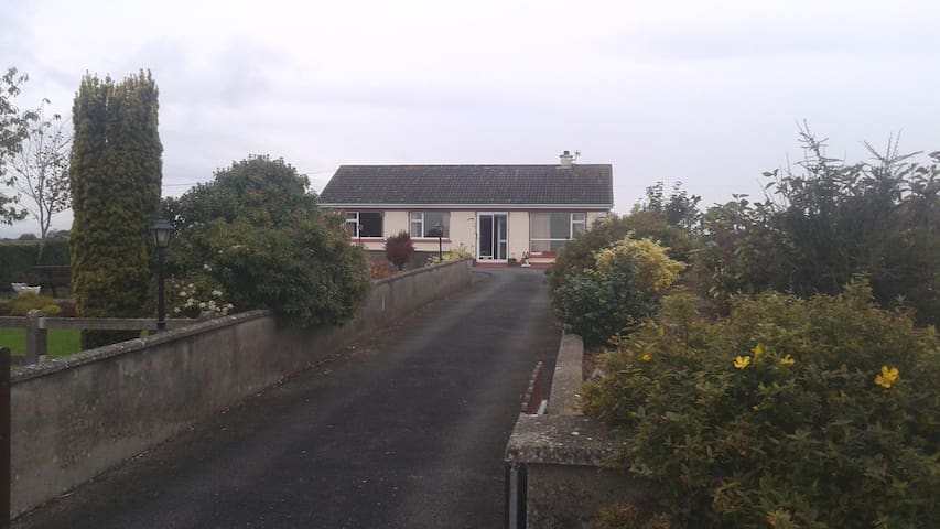 Bedroom to let - Clonmel