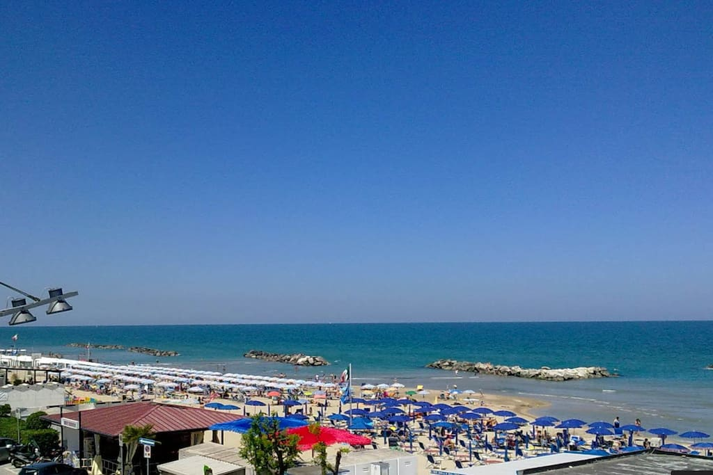 Vista sul lungomare  view on the seafront