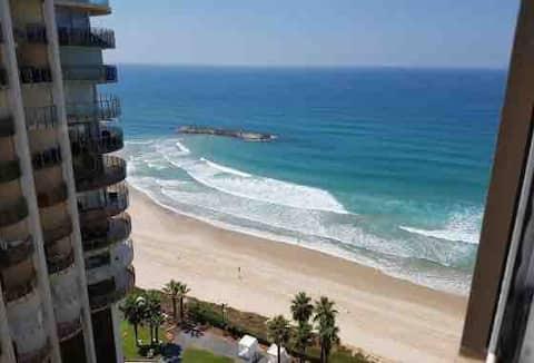 Beachfront Studio Sea View @ Daniel Hotel Herzliya