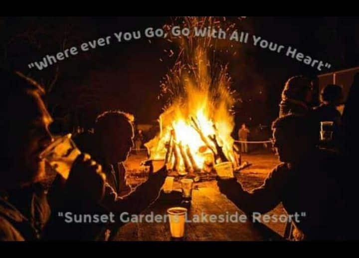 Sunset Gardens Lakeside Resort