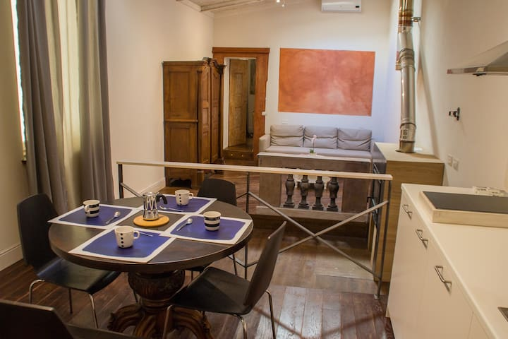 Pilastri34 downtown flat near Sant'Ambrogio - Florence - Appartement
