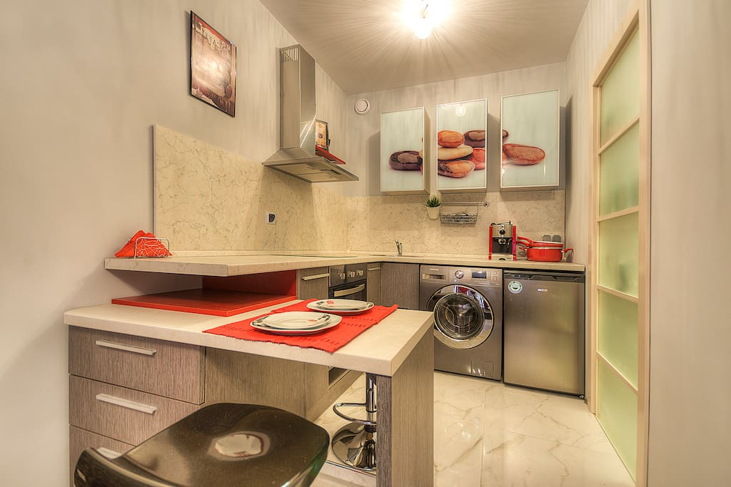 Fully equipped kitchen open to the living room
