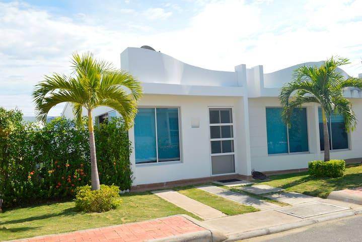 Casa vacacional Puerto Bahia Girardot - Girardot - Huis