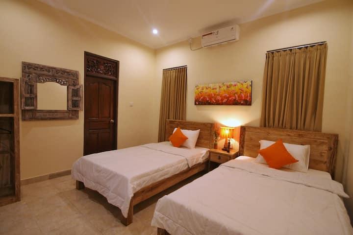 Twin Bed Room in the Heart of Ubud (PONDOK MUWA)