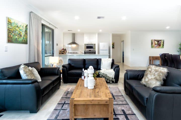 Rivendell Villa 8 - Rivendell Winery Estate