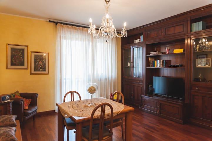 Ampio appartamento sul parco - Turín - Byt