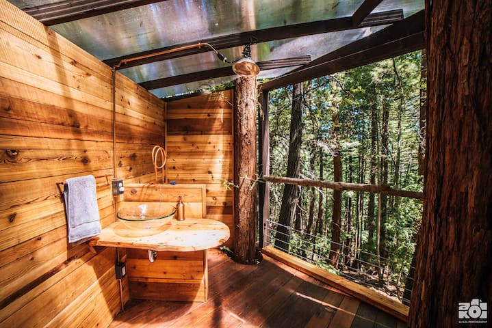 Possibly the best bathroom view you've ever experienced?