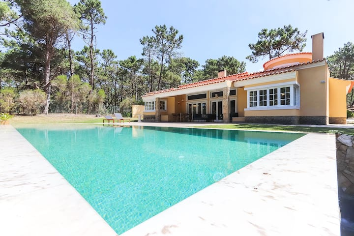 SINTRA NATURE VILLA W/ POOL by HOMING