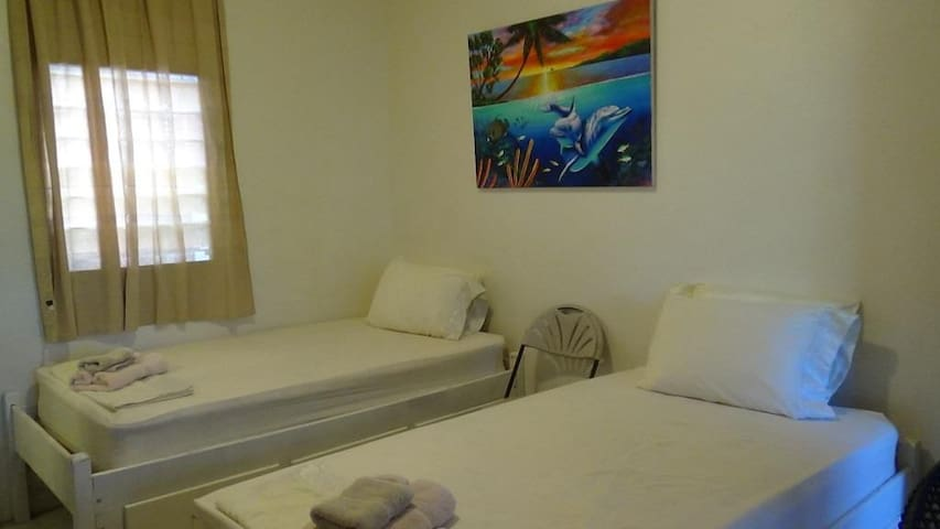 Long Term Clean Lodging, Friendly Place - Belmopan - Hospedaria