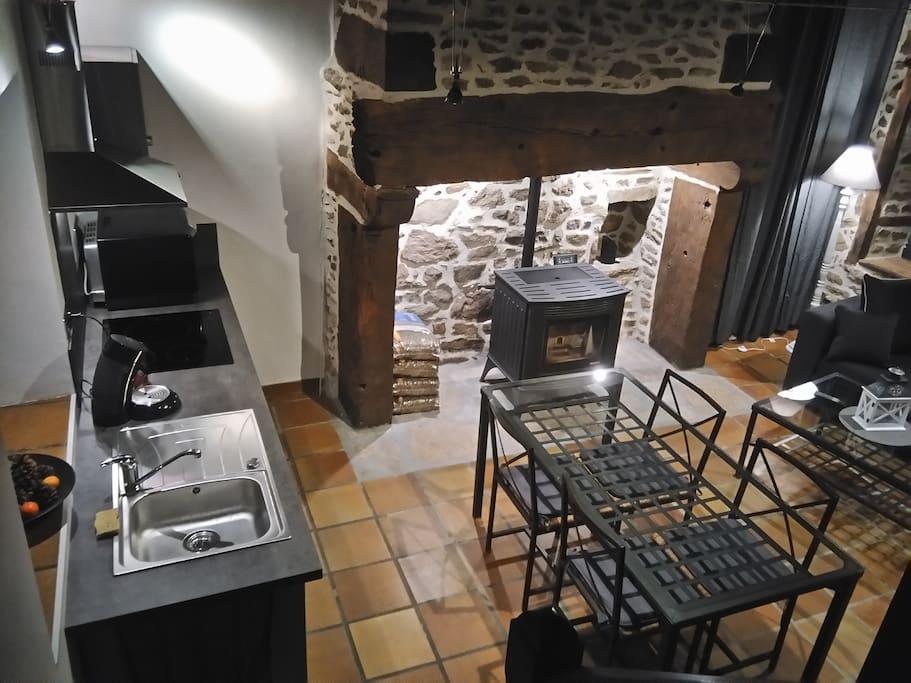 La pièce à vivre et la cuisine