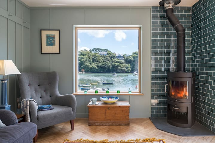 Upper Deck - Helford River, Nr Falmouth, 6 people
