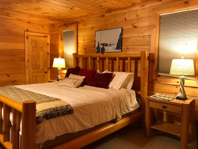 Bedroom 1: master king suite