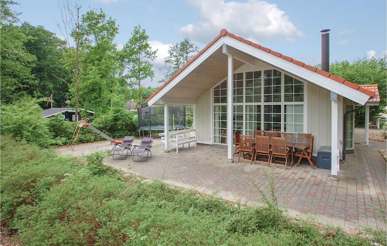 Holiday cottage with 4 bedrooms on 97m² in Haderslev