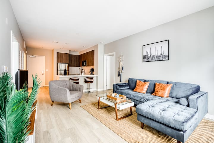 Awesome 2 Bedroom in Downtown Glendale