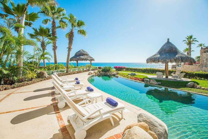 Palmilla Beachfront Villa: Villas del Mar 152