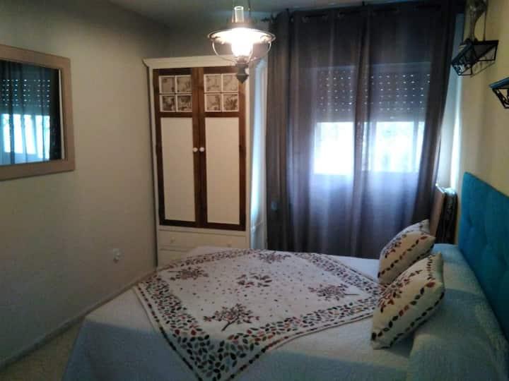 Habitación privada y baño compartido 1