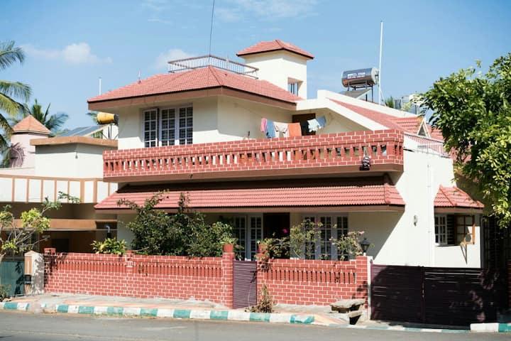 Spacious rooms at Gokulam 15K/Month