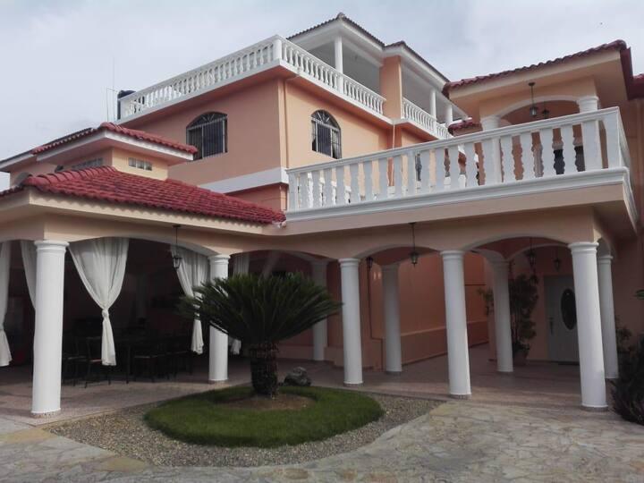 Beautiful villa for big group close to beach