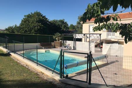 Appart privatif dans jolie maison près d'Angoulême