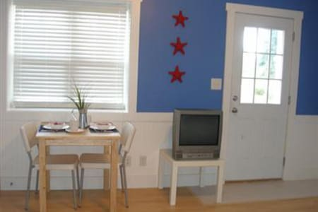 Studio unit with kitchenette