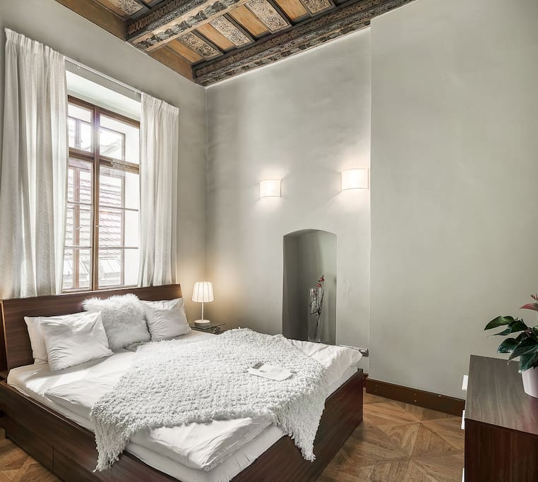 Royal Palace - Luxury 2 BR Old Town