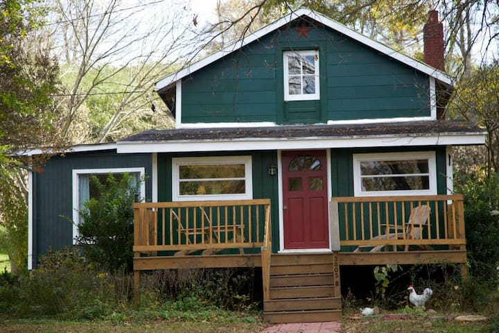 Backyard Country Cottage for Kayakers and Families - Greenville - Chatka