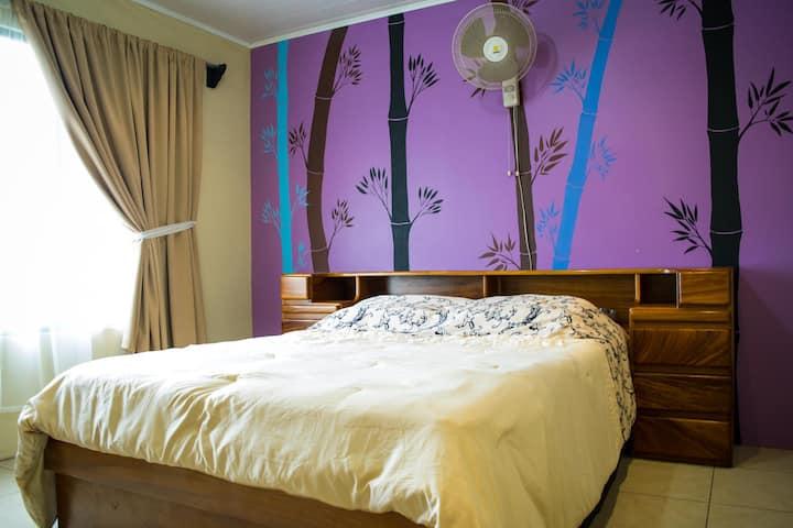 Casa entera, o habitación individual Quesada SC
