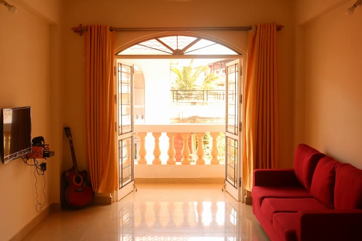 Furnished 2BHK apt, 5 mins walking to colva beach
