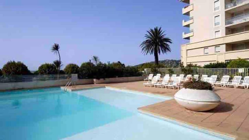 NEW!!Sea&Sun Beautiful Apartment, 2mn to the beach
