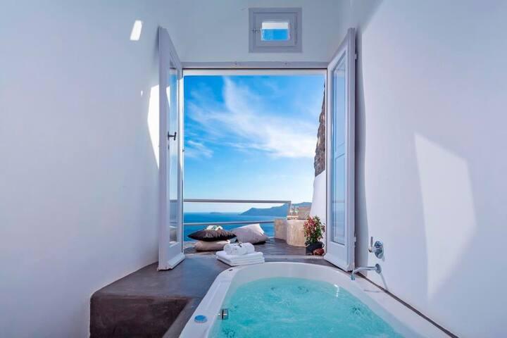 R 1173 Jade Villa with Private Pool with Sea & Caldera View